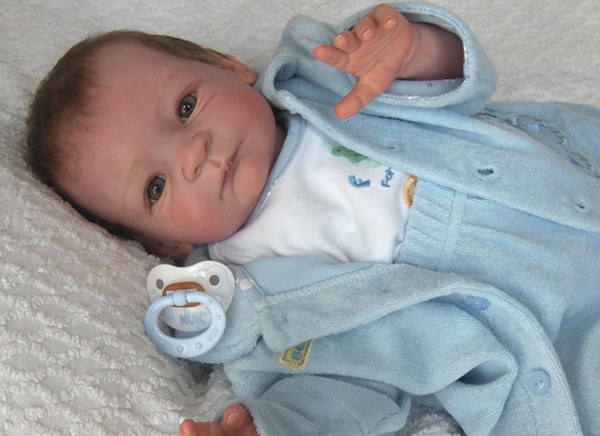 Reborn baby doll - Please click on the photos to see a gallery with each reborn baby doll